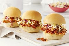 Here are our slow cooker recipe favourites. Enjoy our collection of wonderful and flavourful slow cooker recipes. Pulled Pork Recipe Slow Cooker, Pulled Pork Recipes, Slow Cooker Pork, Slow Cooker Recipes, Meat Recipes, Crockpot Recipes, Cooking Recipes, Pulled Beef, Pulled Pork