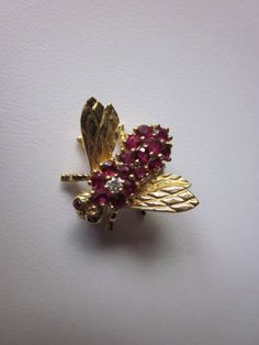 Vintage Bee Pin -- Gold with Rubies and Diamond