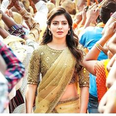 Global market Leader in Ethnic World, we serve End 2 End Customizable Indian Dreams That Reflect with Amazing Handwork & Unique Zardosi Art by Expert Workers. Wedding Saree Blouse Designs, Saree Blouse Neck Designs, Fancy Blouse Designs, Blouse Patterns, Dress Designs, Men's Fashion, Fashion Week, Fashion Glamour, Fashion Ideas
