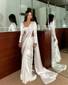 Indian Fashion Dresses, Dress Indian Style, Indian Designer Outfits, Pakistani Formal Dresses, Pakistani Dress Design, Indian Wedding Outfits, Indian Outfits, Indian Clothes, Stylish Sarees