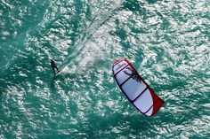 Kiteboarding! Um...yes please. #kiteboarding #saywhat #ocean