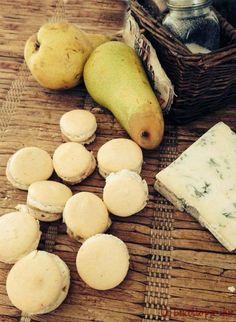Macarons gorgonzola pere e noci
