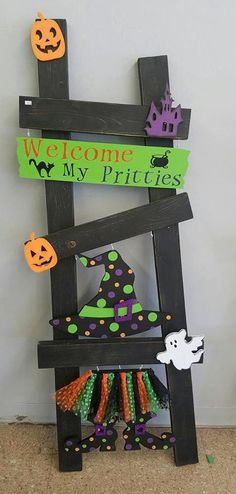 Halloween Interchangeable Ladder KIt only - Decoration Page Halloween Wood Crafts, Theme Halloween, Diy Halloween Decorations, Holidays Halloween, Fall Crafts, Halloween Diy, Holiday Crafts, Holiday Fun, Happy Halloween