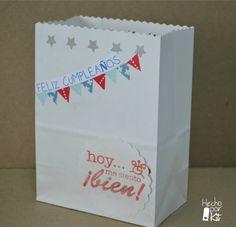 Bolsas de papel para envolver los regalos de cumpleaños o entregar el menaje del picnic, las chuches de los peques. http://hechoporkit.wordpress.com/