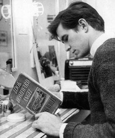 """Look Homeward Angel by Thomas Wolfe. Adapted for stage in 1958 with Anthony Perkins as Eugene Gant. After his performance on Broadway, Perkins said """"I never leave Eugene's world. Anthony Perkins, Good Books, Books To Read, Reading Books, People Reading, Thomas Wolfe, Celebrities Reading, Norman Bates, How To Read People"""