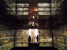 21 Cheap Date Ideas In London - Hunterian Museum Cheap Places To Visit, Cheap Things To Do, Places To Go, 5 Things, London Museums, London Places, Cheap Date Ideas, Most Haunted Places, Things To Do In London
