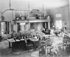 Tiffany decorated the interior of the mansion with thousands of fascinating and unique objects he had collected from around the world. Many also were designed by him or others in his studios—furniture, lighting fixtures, windows, desk sets, and more.