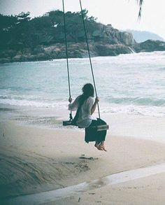 """""""Oi gente! Tem história minha contada! 💜 É só apertar play no áudio que está abaixo. A história é: A Menina que você já foi um dia. 🌼✨ SOLTA O SOM DJ!!! 😜💁🏻 https://soundcloud.com/tamyhe-c-engler/video-1487863168"""" by (tamyheengler). teatro #escritora #dramaturgia #comportamento #textos #cenadavida #campinas #podevirafolia #biessedsmaii #cotidiano #porumavidafeliz #vida #frase #quotes #stargiam #sabedoria #porumavidacommaissentido #atriz #bioggbrasii #storrytelling #umconto #youtuber…"""