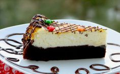 Brownie bottom cheescake Romanian Desserts, Ricotta, Cheesecake, Food, Meal, Cheese Cakes, Eten, Cheesecakes, Meals