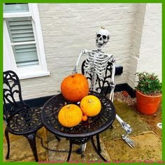 Enable! What should we title him? It feels like a him anyway 😂 *NAMED View STORIES💗* Fall your suggestions under! 👇  So as Halloween is drawing nearer we have obtained our decorations out! Have you? 🧡  For the reason that Halloween simply cannot happen as it ordinarily would we have gone comprehensive out […]   #CreativeHalloweenDecorations, #HalloweenDecorationsSpooky, #HalloweenDecortation, #HalloweenIdeasDecorations, #SpookieHalloweenDecor Halloween Decorations To Make, Halloween Home Decor, Halloween House, Cute Halloween, Halloween Ideas, Pantry Storage Containers, Feel Like, Cool Pictures, Feels