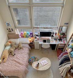 Room Design Bedroom, Room Ideas Bedroom, Small Room Bedroom, Bedroom Decor, Study Room Decor, Cute Room Decor, Room Ideias, Indie Room, Minimalist Room