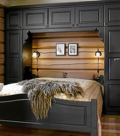 Lodge Bedroom, Cozy Bedroom, Dream Bedroom, Cozy Cabin, Cozy Cottage, Cabin Interiors, Bedroom Green, Bedroom Layouts, House Beds