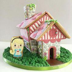 GINGERBREAD HOUSE~Alice in Wonderland Cookie House