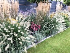 Totally Inspiring Modern Garden Design Ideas For Your Inspiration 13 Back Gardens, Outdoor Gardens, House Gardens, Minecraft Garden, Diy Herb Garden, Garden Design Plans, Garden Cottage, Front Yard Landscaping, Landscaping Ideas