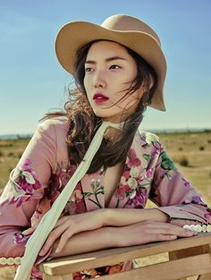 Jessie Hsu by Yin Chao for Vogue China, August 2015 | Carmim Lis'Bon Chic