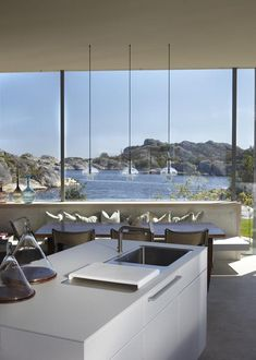 desire to inspire - desiretoinspire.net - Summerhouse Bench/booth seating and check out the view!