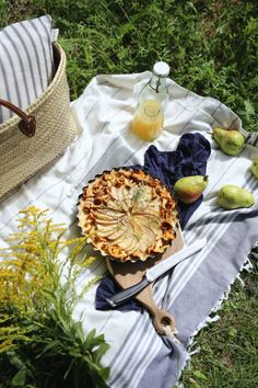 Food & Photography by Zosia Cudny Picnic Time, Summer Picnic, Pear Trees, Picnic Blanket, Food Photography, Brunch, Fruit, Cooking, Pears