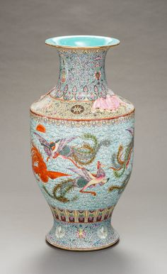 Porcelain, enamel, iron-red and some gold China Qing dynasty, 19th century HEIGHT 54 CM