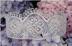 Tiara pattern for bride http://www.laceguild.demon.co.uk/sales/pics/weddings.pdf