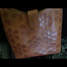 Selling this I santi Italian handbag in my Poshmark closet! My username is: msnikki2u. #shopmycloset #poshmark #fashion #shopping #style #forsale #I Santi  #Handbags