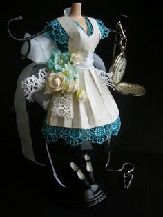 Alice dress form