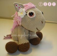 """Amigurumi """"PONY"""" tejido con hilo de algodón. Pony, Dinosaur Stuffed Animal, Animals, Amigurumi, Crocheting, Tejidos, Crochet Stuffed Animals, Funny, Pony Horse"""