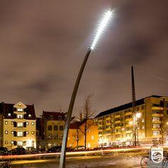 Au #Danemark, la place historique du centre de #Copenhague s'est vu offrir un petit coup de jeune grâce à cet éclairage LED s'inspirant de la forme de l'herbe !