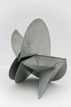 Lygia Clark, Along with Brazilian artists Amilcar de Castro, Franz Weissmann, Lygia Pape and poet Ferreira Gullar, Clark co-founded the Neo-Concrete movement. The Neo-Concretists believed that art ought to be subjective and organic.