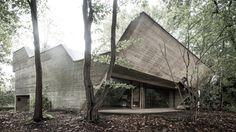 Villa Van Wassenhove by Juliaan Lampens (Belgium, 1973):  concrete, glass & wood ©Thomas Debruyne