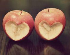 #Amore non è guardarci l'un l'altro, ma guardare insieme nella stessa direzione. | Antoine de Saint-Exupéry