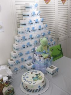 Baby shower party favors and cake