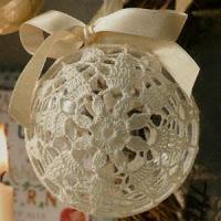 Speciale Natale: Pallina di Natale rivestita all'uncinetto