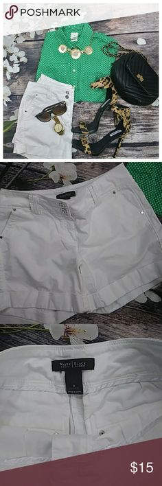 💚💚💚⚡1HR SALE⚡White House Black Market Shorts So spring🌷🌸🍃🌸🌷..so savvy..worn twice but in excellent condition no stains no marks .. White House Black Market Shorts
