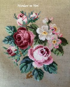 This Pin was discovered by Sul Cross Stitch Love, Cross Stitch Flowers, Cross Stitch Charts, Cross Stitch Designs, Cross Stitch Patterns, Learn Embroidery, Cross Stitch Embroidery, Embroidery Patterns, Hand Embroidery