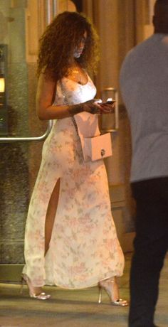 July Rihanna out in New York Estilo Rihanna, Mode Rihanna, Rihanna Riri, Rihanna Style, Classy Outfits, Trendy Outfits, Look Fashion, Fashion Beauty, Mode Outfits