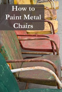 diy muebles How to Paint Metal Chairs There are so many great up-cycling and refurbishing ideas to recycle your old household items and make them brand new. This is such a fun crafty thing to do to resurrect old chairs and you can DIY super Painted Metal Chairs, Old Metal Chairs, Painted Furniture, Painting Metal Furniture, Painting Rusted Metal, Vintage Chairs, Refurbished Furniture, Refinished Chairs, Metal Outdoor Chairs