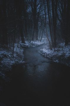 photo scenery I really enjoy dark photography. this particular photo is mysterious. & i like that the eye is led to the center, where the most light is Beautiful World, Beautiful Places, Beautiful Pictures, Dark Pictures, Pretty Photos, Dark Photography, Photography Lighting, Night Photography, All Nature