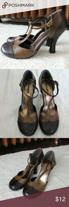 Vintage style 20's dancer heels Vintage style 20's dancer heels. Light and dark brown, faux leather. T-straps. Adjustable buckle. Gently used. BONGO Shoes Heels