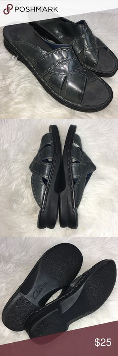 725e25202df Shop Women s Clarks Black size 9 Sandals at a discounted price at Poshmark.  Description  Clarks Womens Size 9 M Sandals Black Slides.