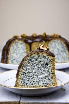 Babka makowa z polewą czekoladową - Mgotuje Piece Of Cakes, Butter Dish, Cake Cookies, Food And Drink, Sweets, Baking, Recipes, Food Cakes, Mudpie