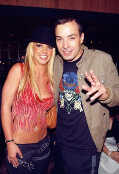 ♥ ♛ Britney Spears ♛ ♔♕☻☽ it's Britney, bitch ♛ Britney & Jimmy Fallon SNL.best picture ever taken Britney Spears 2003, Britney Spears Outfits, 2000s Fashion Trends, Early 2000s Fashion, Jimmy Fallon Snl, Eggplant Emoji, Best Pictures Ever, Famous Last Words, Saturday Night Live