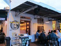 Vinnie Van Go-Go's, Savannah, GA... Best pizza EVER!!!