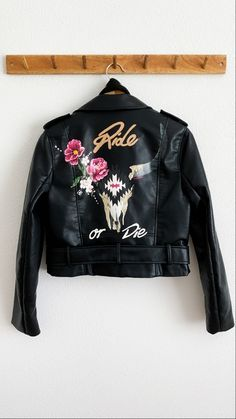 Handpainted bride fake leather jacket by Troubelle. Rock and roll. Wedding Jacket, Ride Or Die, Vintage Denim, Rock And Roll, Cool Designs, Bomber Jacket, Leather Jacket, Portraits, Hand Painted