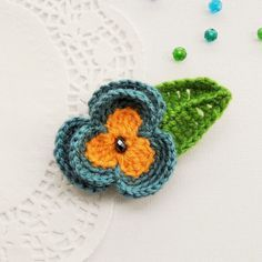 HAND CROCHET BLUE FLOWER PANSY  BROOCH APPLIQUE DECORATION MOTHER'S DAY GIFT in Crafts, Needlecrafts & Yarn, Crocheting & Knitting | eBay!