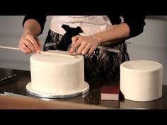 How to Assemble a Wedding Cake | Wedding Cake Decorating - YouTube