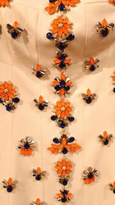 get_inspired-vestido-tomaraquecaia-branco-bordado-detalhe