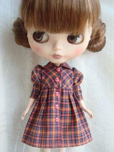 long sleeve dress for Blythe Doll. $26.00/£16.89, LoveBlytheDoll @ etsy