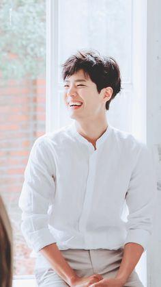 Park Bo Gum Lockscreen, Park Bo Gum Wallpaper, Park Bo Gum Moonlight, Kim Yoo Jung Park Bo Gum, Park Bogum, Baby Park, Handsome Korean Actors, Kim Jisoo, Drama Korea