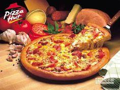 【眼睛挑的!Pizza Hut擬推「潛意識菜單」】 Pizza Hut日前推出一種電腦菜單,命名為「潛意識菜單」,利用眼球視線挑出期盼的Pizza。(圖/業者提供)
