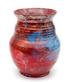 Aardewerk Berbas vaas met rood Reflet Métallique glazuur uitvoering Porceleyne Fles Delft ca.1900